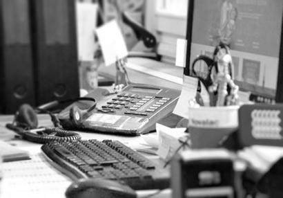 photo of a work desk at Novalac
